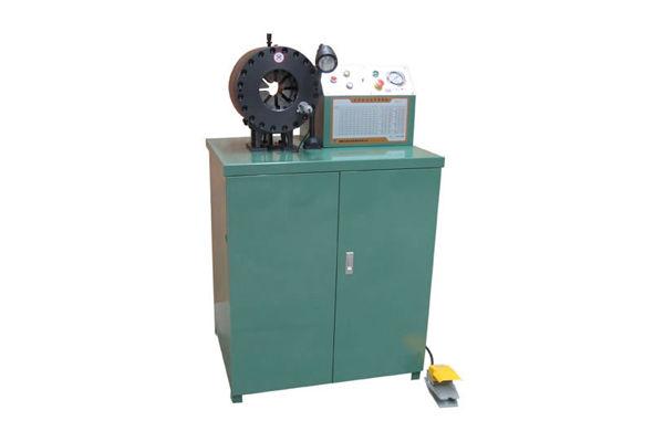 Hydraulický krimpovací stroj